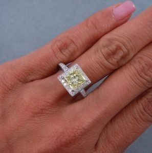 2.87 CTW PRINCESS CUT DIAMOND ENGAGEMENT RING FANCY YELLOW