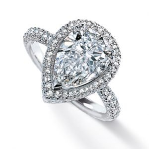 pear-shaped-diamon engagement ring