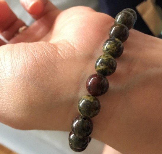 natural-red-garnet-gemstone-8mm-round-beads-stretch-bracelet-7%22-unisex