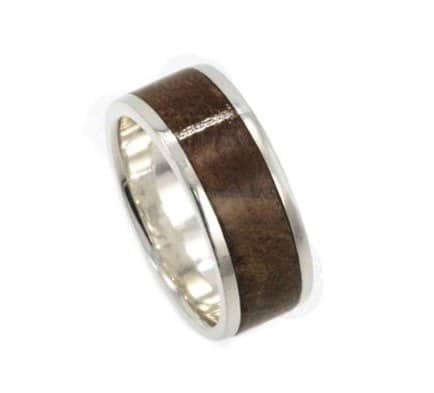platinum-wedding-band-with-a-kauri-wood-inlay