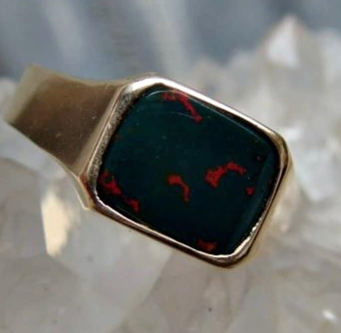 10k-gold-bloodstone-ring-with-8-by-10mm-nicely-figured-stone-size-10-34-u-s-marked-with-l-inside-jeweler-tested-classic-design