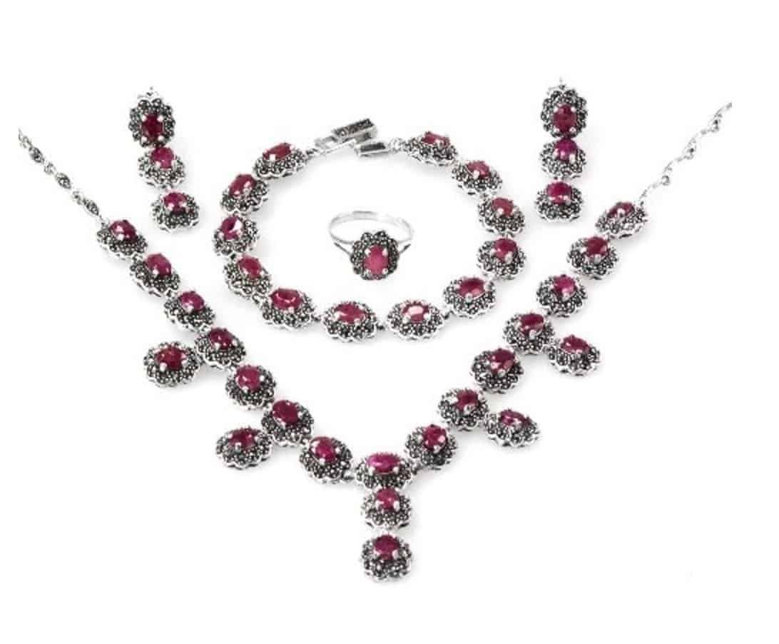 Rare Beautiful African Ruby Vintage-Style Earring Ring Bracelet Necklace Set