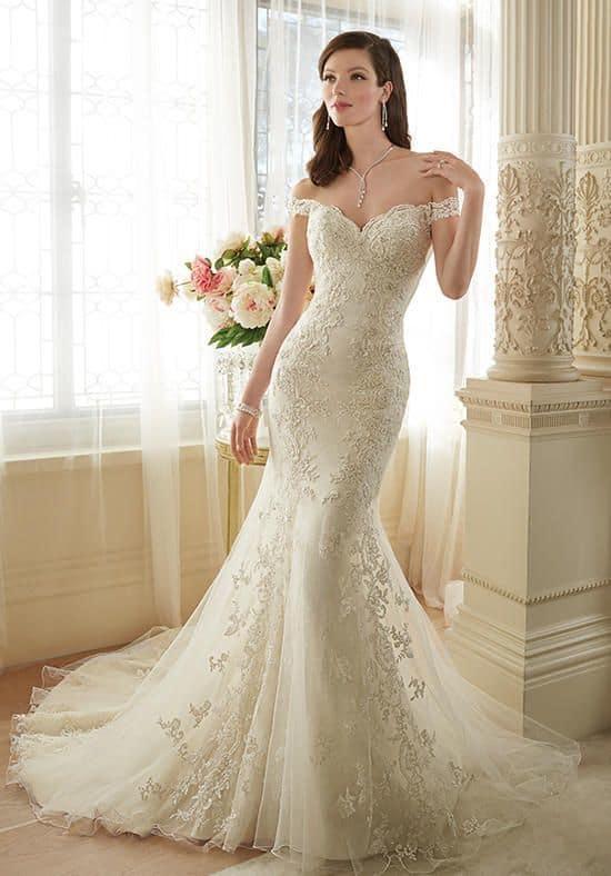 trumpet wedding gown