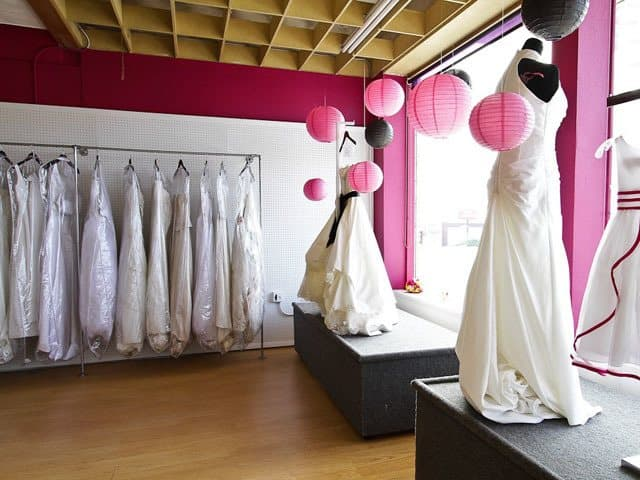 Your guide to shopping for a cheap wedding gown for Wedding dress thrift shop