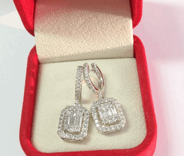 diamond earrings in red package