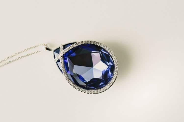 Best Blue Gemstones in Jewelry